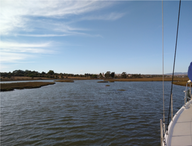 picture showing Alvor Ria with yet some water on the marshlands
